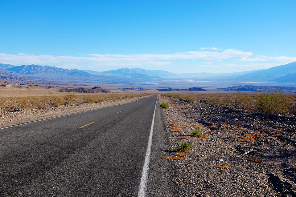 Between Daylight Pass and Furnace Creek